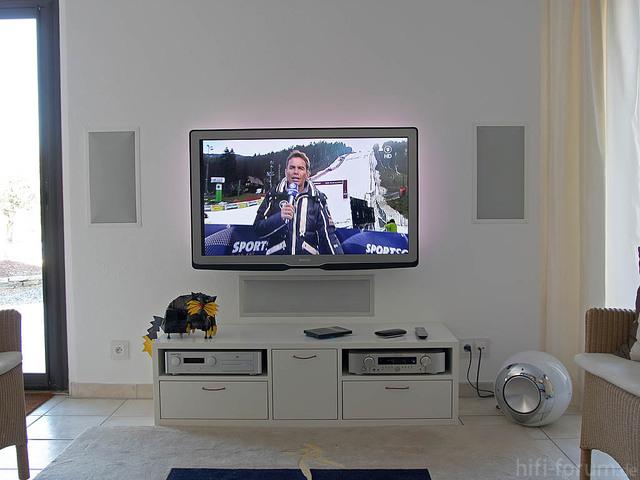 TV 5 Comp
