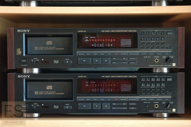 Sony CDP-C90ES Im Doppelpack Per Serial Chain Gekoppelt