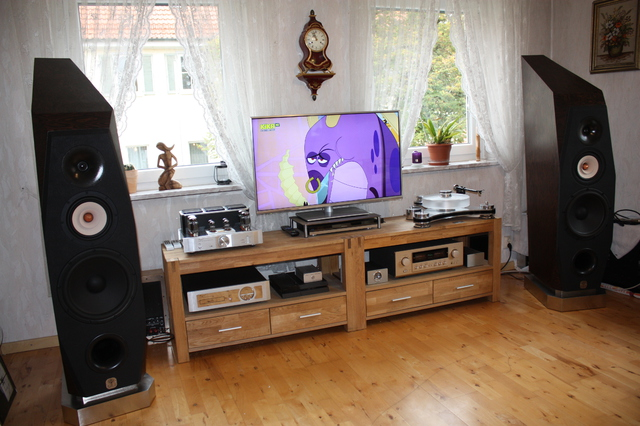 Cayin  Accuphase  Transrotor  Vincent  A.M.S.-Lautsprecher