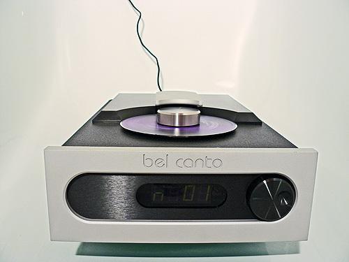 Gibt es offene cd player wo man die cd sieht oder die cd offen