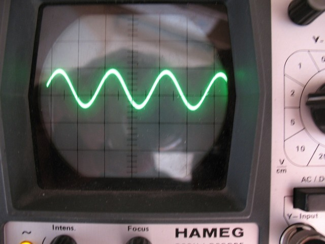 1 kHz Sinus 0 dB nicht verzerrt nach Schaltungs�nderung