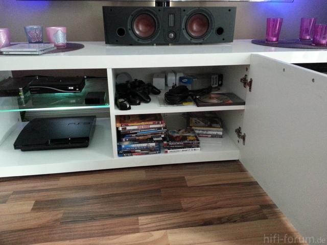 unterbringung eines gro en avr center sowie tv. Black Bedroom Furniture Sets. Home Design Ideas