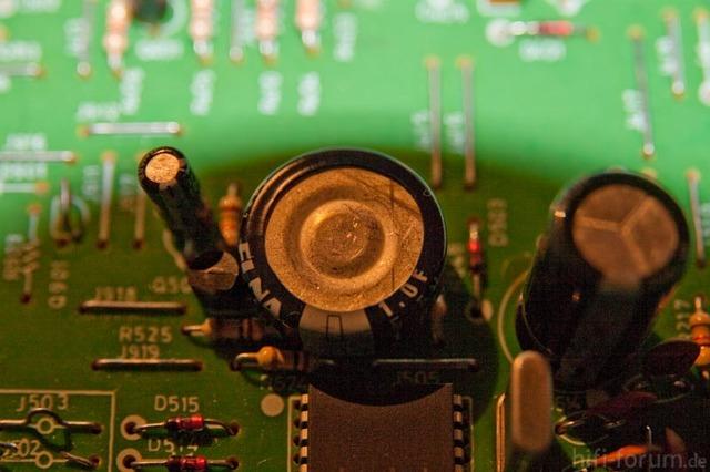 Rotel RT-935AX Fraglicher Kondensator