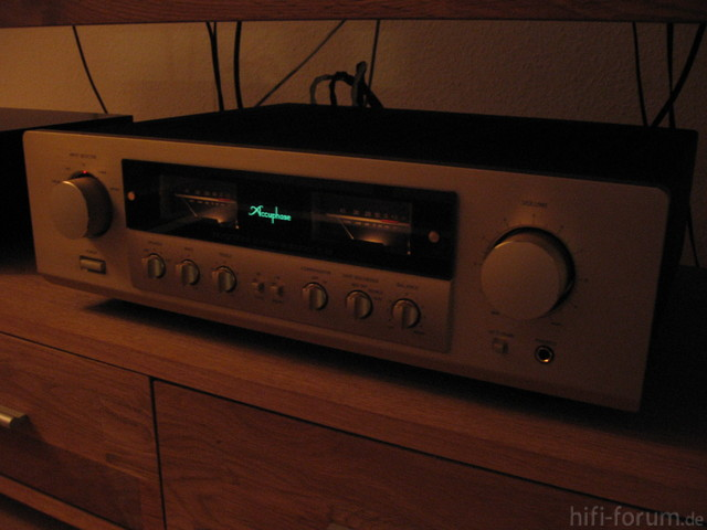 Accuphase E-212