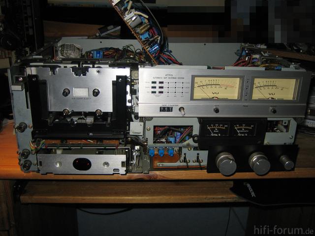 Hitachi D-5500 Nackig Vorn