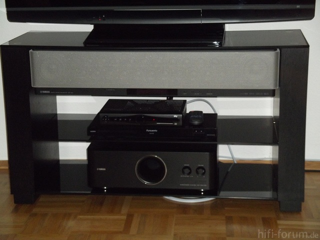 Soundbar Und Subwoofer, Optimal Im Original Yamaha Rack Verstaut