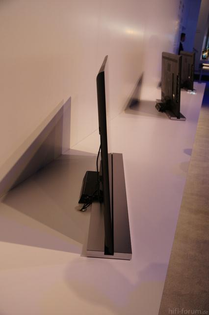 NX815 IFA 2010