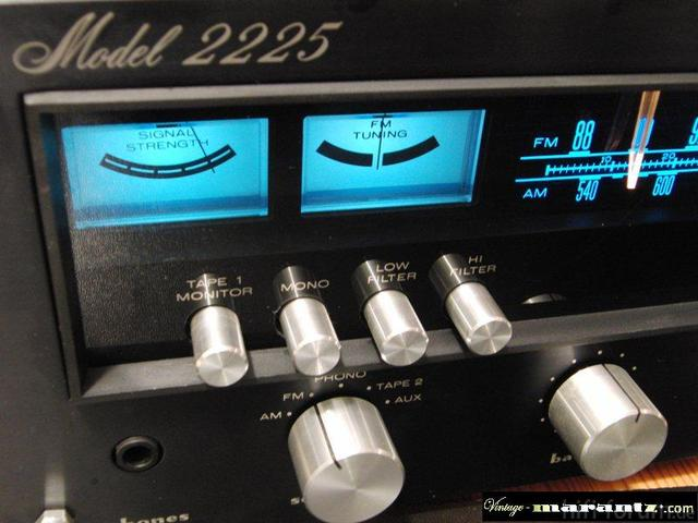 Marantz 2225 In Black! XXXX-Rare!