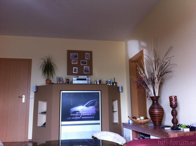 Alte TV Wand