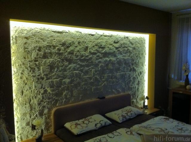 schlafzimmer gestalten brauntne tv wand selbstgemacht