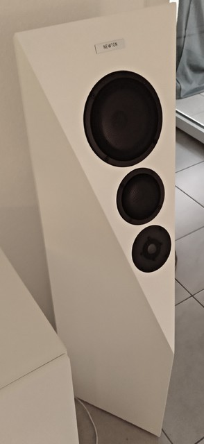 Newton Lautsprecherboxen