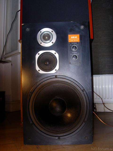 Akai Boxen 004