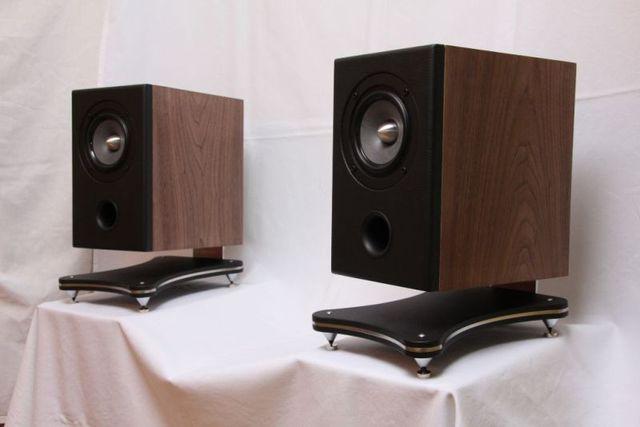 neue boxen f r pc schreibtisch ct237 projekte der. Black Bedroom Furniture Sets. Home Design Ideas