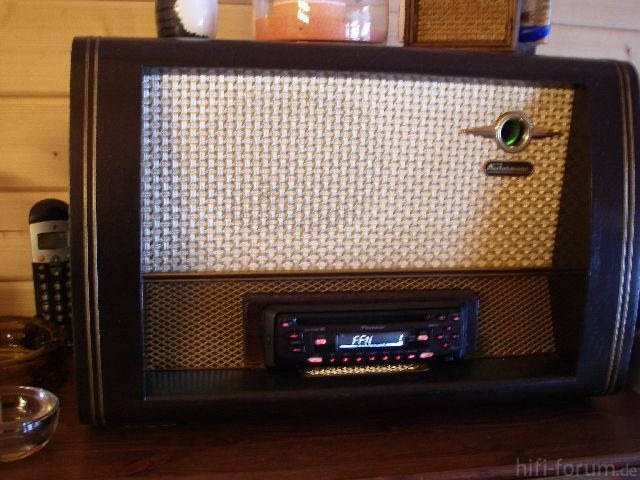 Röhrendes Radio