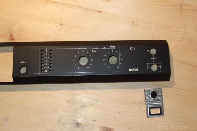 Frontblende Eines C1, Markiert Sind Displayausschnitt Und USB-Port