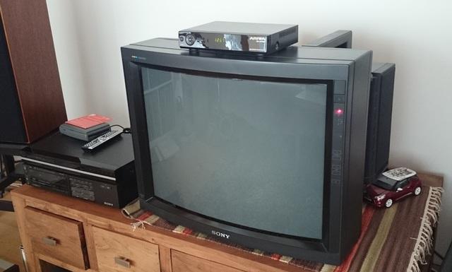 wer hat noch die gute alte r hre bei sich r hren fernseher hifi forum seite 14. Black Bedroom Furniture Sets. Home Design Ideas