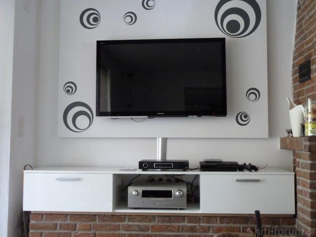 Tv-Wand  Und Couchbereich