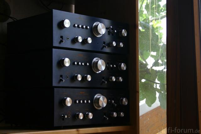 Drei Meiner NIKKO TRM-750