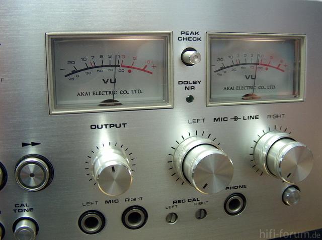 Akai GXC 760D VU-Meter