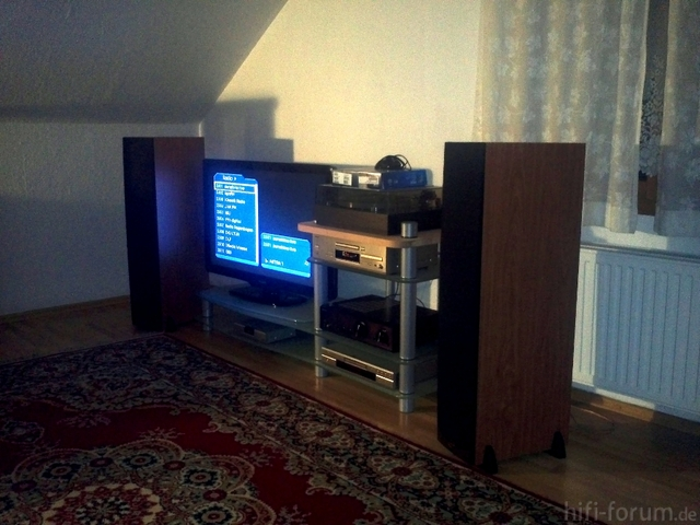 42 zoll philips fernseher g nstig abzugeben tv projektion hifi forum. Black Bedroom Furniture Sets. Home Design Ideas
