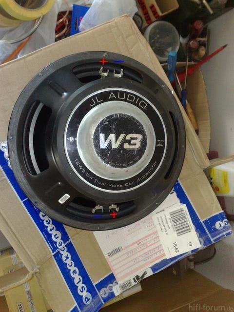 JL Audio 12w3 D4