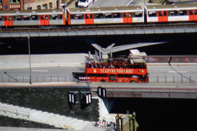 BenQ W8000 - Screenshot Hamburg - Detailaufnahme Doppeldecker_MBR1007