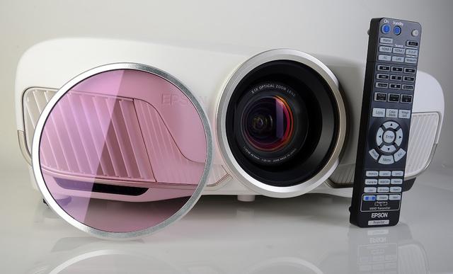 Epson EH-TW9300W mit Cine4Home-LP-Filter - Foto Michael B. Rehders