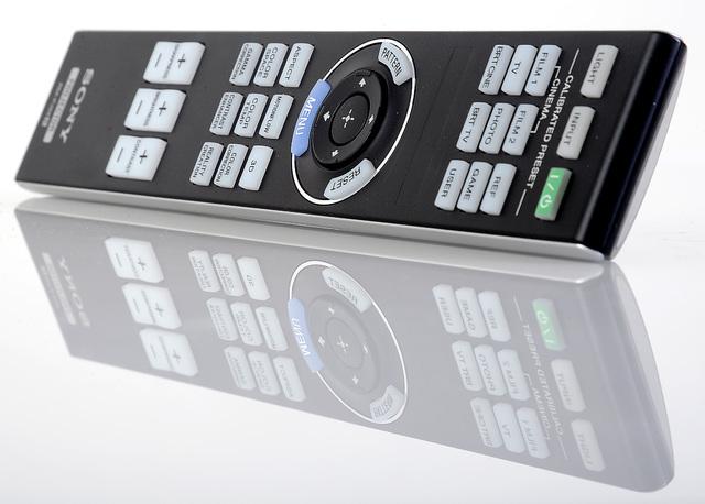 Sony VPL-HW45 - Fernbedienung unbeleuchtet - Foto Michael B. Rehders