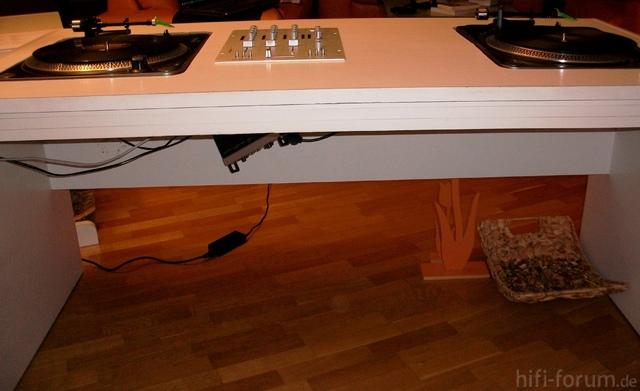 dj tisch turntables mixer scratch. Black Bedroom Furniture Sets. Home Design Ideas