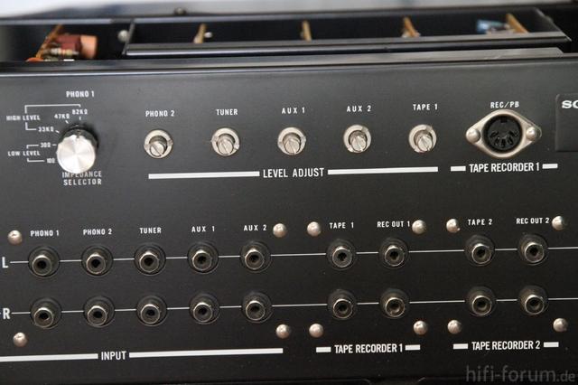 Sony TA-2000F Hinten
