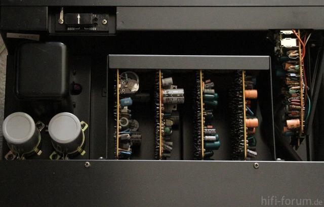 Sony TA-2000F Innen