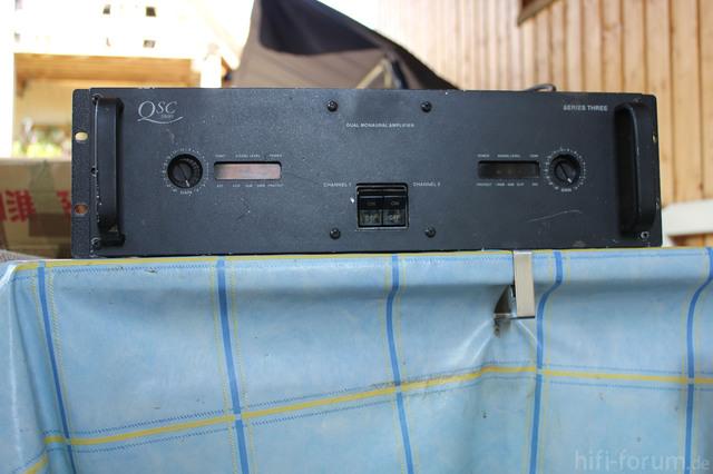 QSC 3800 Front