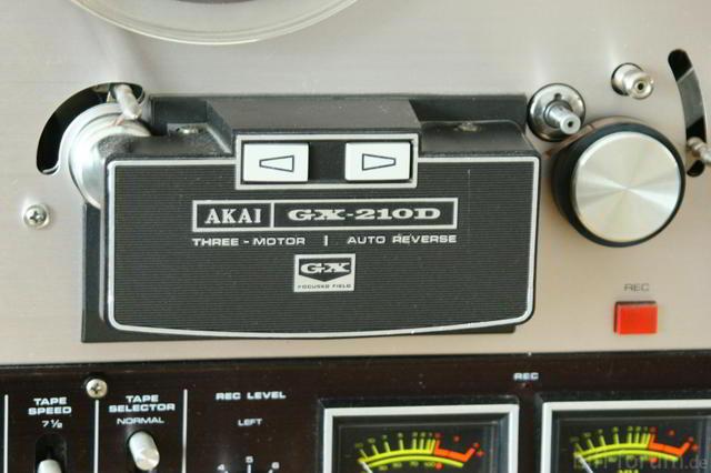 Akai GX210-D B