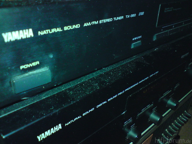 Yamaha TX-350 Close-Up
