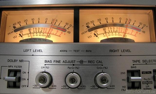 Aiwa AD 6900 Mk II VU Meter