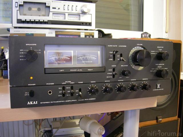 Akai AM-2950