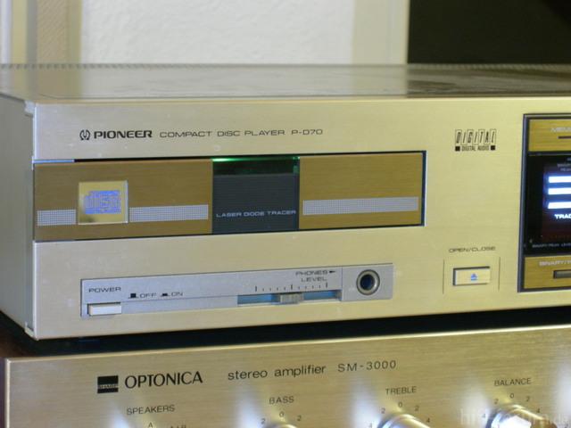 Pioneer P-D70