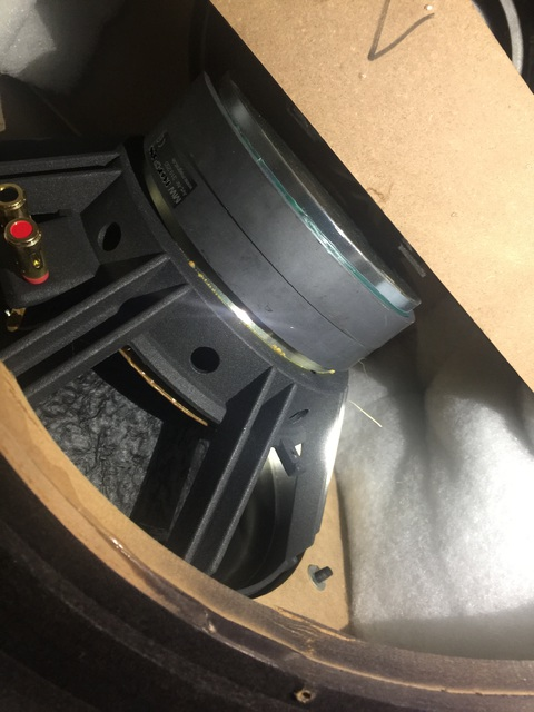 Magnat THX Ultra 300 Subwoofer