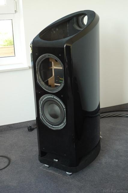 B&W N802 - Hochglanz Schwarz