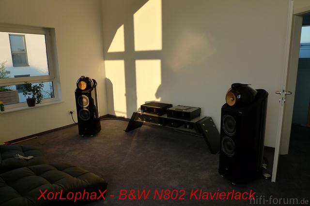 XorLophaX B&W N802 Klavierlack
