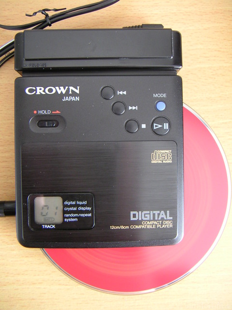 CROWN CD10