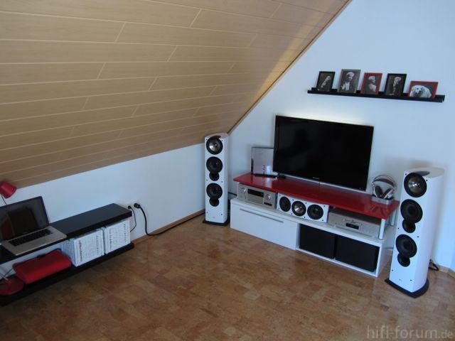 ls in der ecke unter dachschr ge spielt dominanter akustik hifi forum. Black Bedroom Furniture Sets. Home Design Ideas