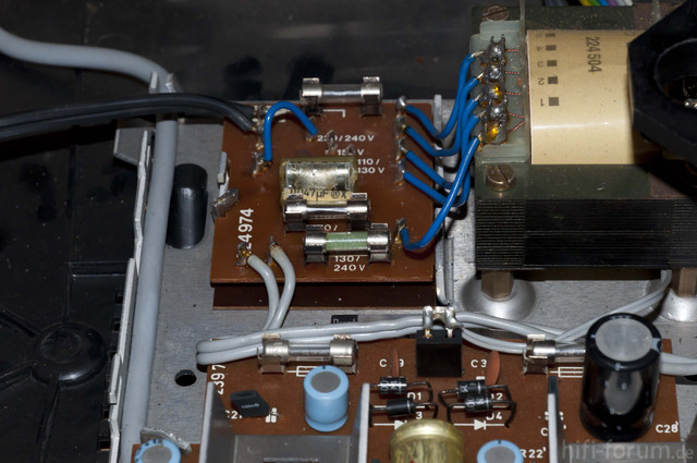 Dual HS 130 Innenleben Abgerauchter Kondensator