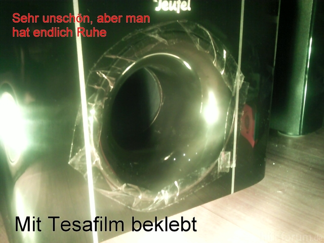 Mit Tesafilm