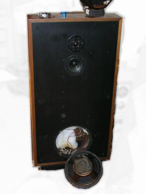Boston Acoustics A200 Loudspeaker Opened