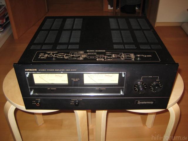 Hitachi HMA-8300 Power Amplifier Front View
