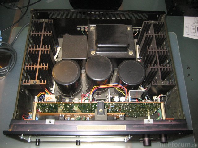 Hitachi HMA-8300 Power Amplifier Interior View