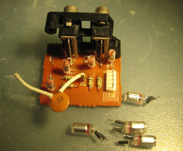 Luxman L 410 Tuner & Aux Input Capacitors Replaced With 350pF Instead Of 1000p