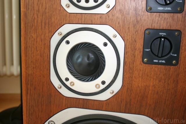 Yamaha NS 690 Midrange Dome Speaker Dents Repaired