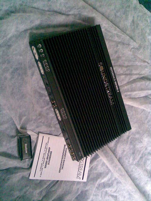 Soundstream Ref 800.4